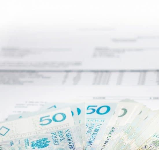 pieniądze i dokumenty
