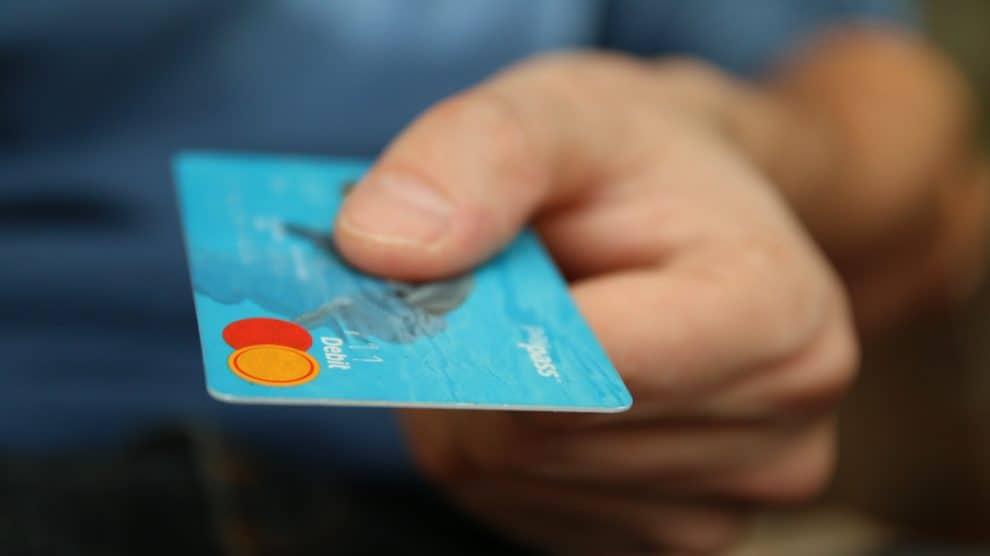 Kredyt a pożyczka – czym się różnią