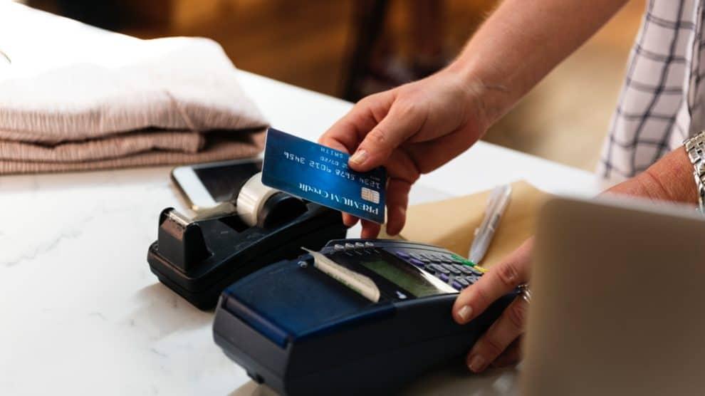 Czy bank zwróci ci pieniądze skradzione z konta bankowego